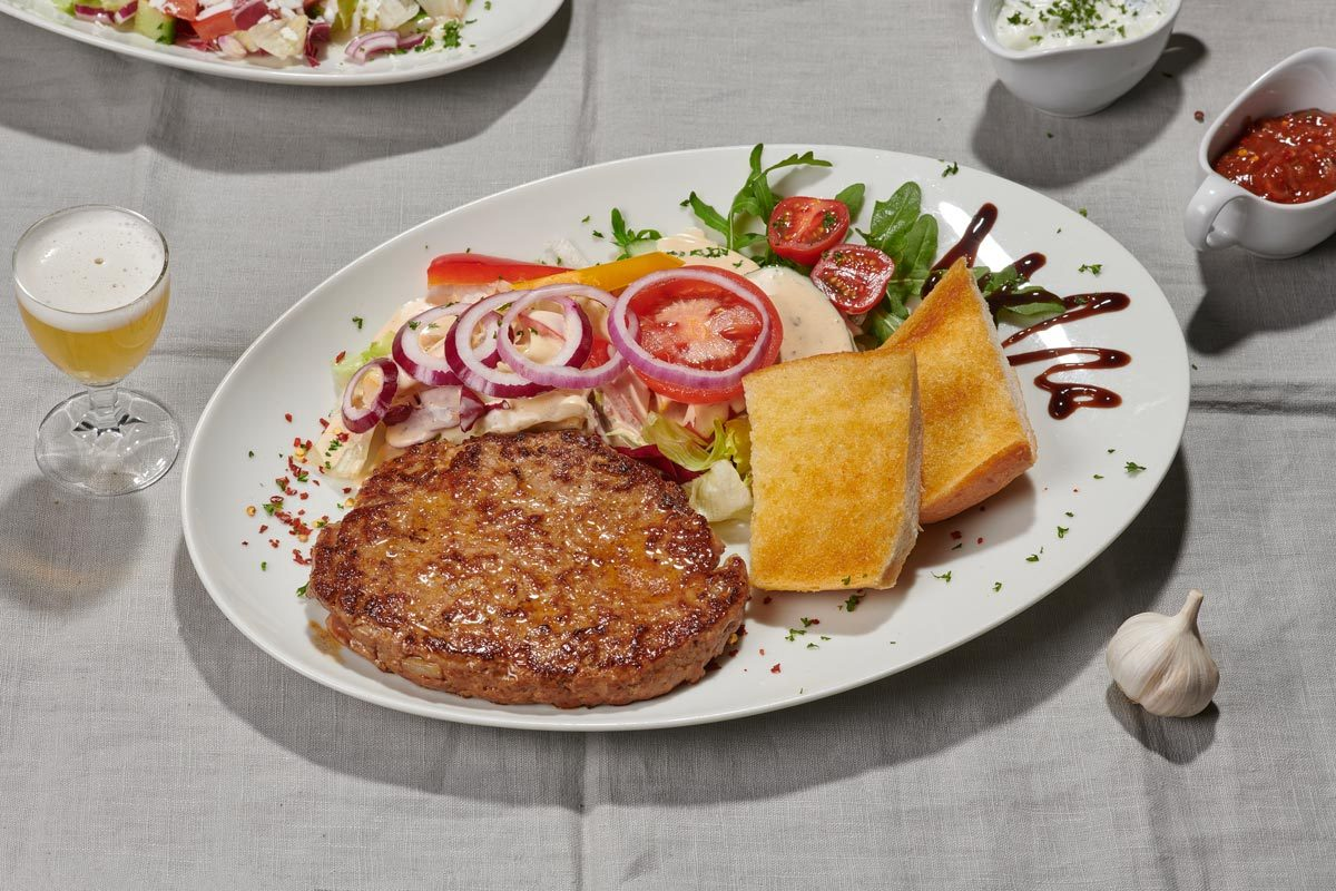 Salat-Hacksteak